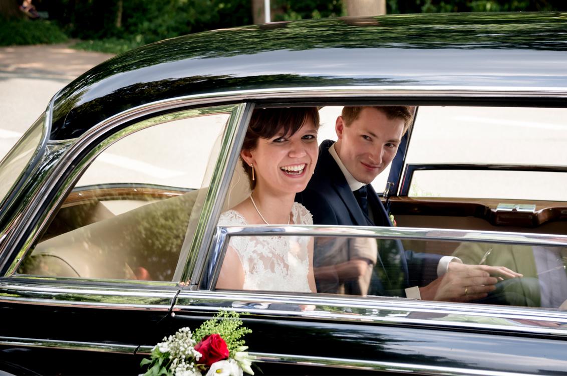 Brautauto -Sarah Janssen Hochzeitsfotograf