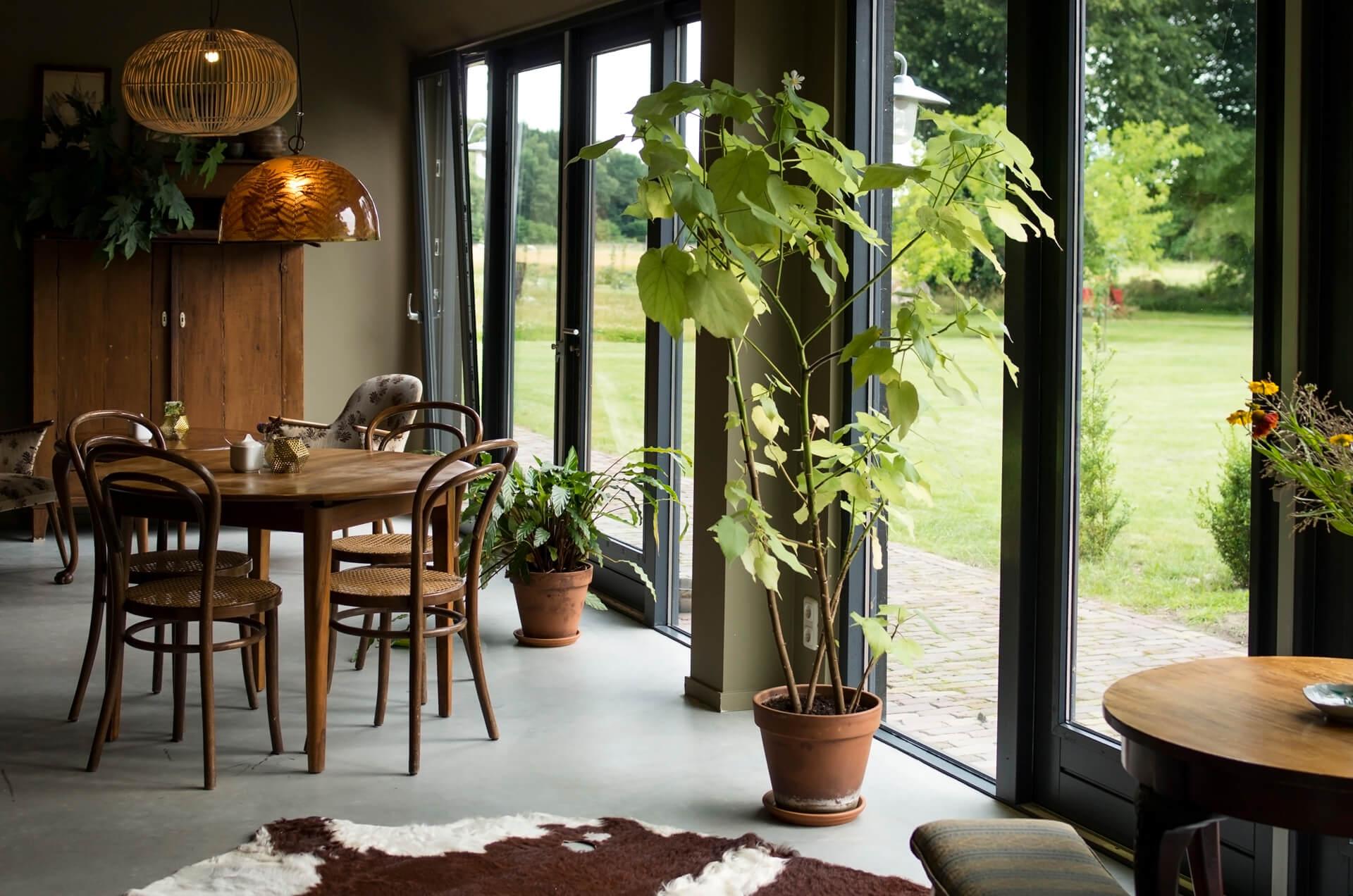 work-interior 3